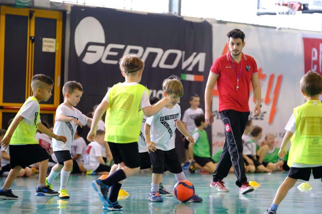 Calcio Per Bambini A Padova : La scuola di calcio a 5 del petrarca a padova zona ospedali